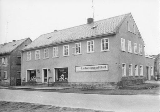 Dresdener Str. 2 (hinter dem Haus die ehemalige Backstube)