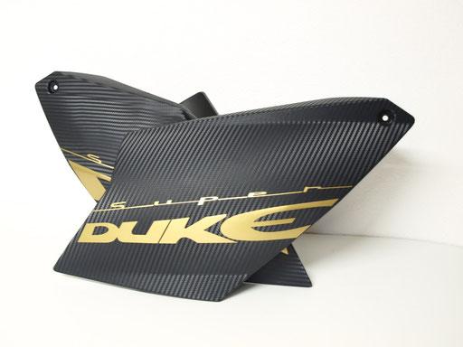 Motorradteile mit Carbon überzogen