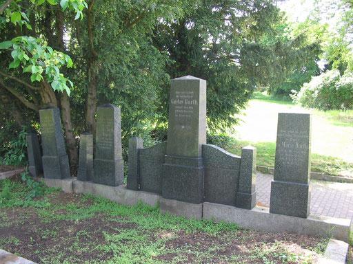 Grablage der Familie Barth in Hedersleben