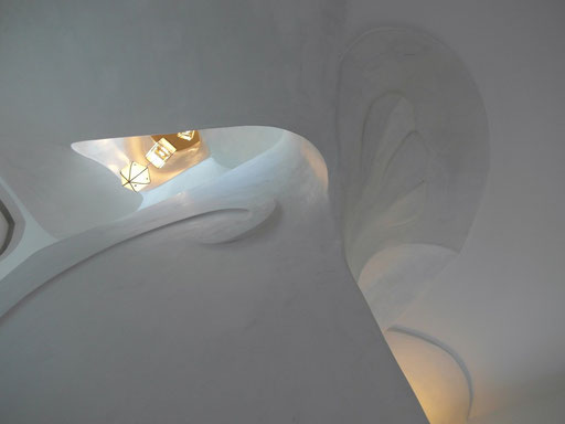 cage d'escalier - hommage à Gaudi