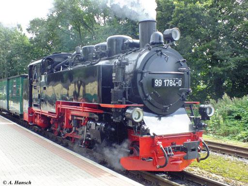 99 1784-0 wartet am 6. August 2012 in Binz LB auf die Weiterfahrt in Richtung Lauterbach Mole