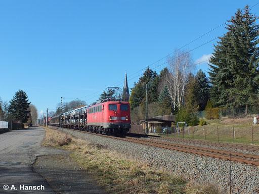 """Am 22. Februar 2014 wurde der samstägliche """"14er"""" (EZ 52814) von 140 572-9 gezogen. Hier ist die Fuhre in Grüna zu sehen"""