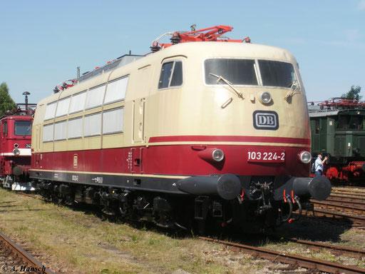 Am 21. August 2010 war 103 224-2 im SEM Chemnitz zu sehen