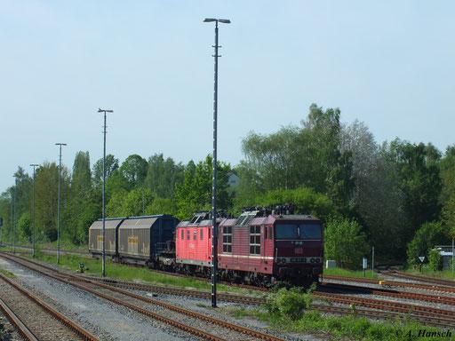 Eines der letzten Bilder vor Abstellung von 180 011-9 und 180 003-6 entstand am 16. Mai 2013 im Südbahnhof Chemnitz