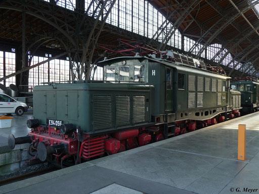 E94 056 am 25. April 2009 in Leipzig Hbf. Auch sie ist dort ausgestellt