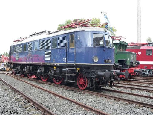 Die Lok trägt die Ursprungslackierung in Blau, mit hellgrauem Dach