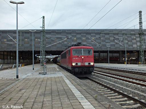 155 261-1 durchfährt mit ihrem Mischer am 23. Oktober 2013 Chemnitz Hbf.