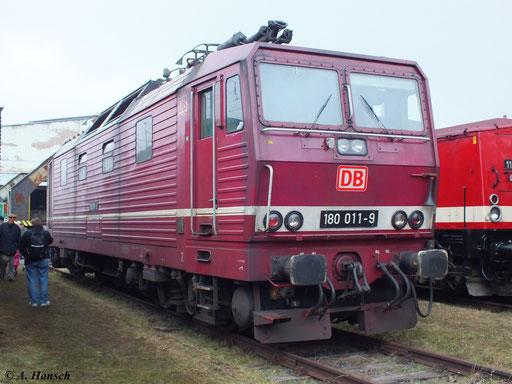 Als letzte im Einsatz stehende altrote BR 180 stellt sie eine besondere Lok dar. Spätestens Ende Mai wird mit ihrer z-Stellung die Ära der BR 180 bei der DB enden!