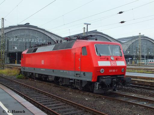 120 155-7 wartet am 12. Oktober 2013 in Leipzig Hbf. auf neue Aufgaben
