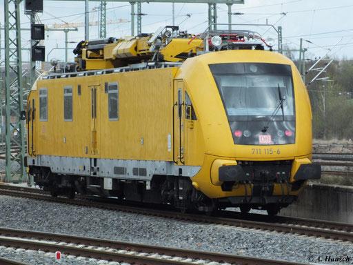 711 115-6 fährt am 22. April 2012 aus dem Chemnitzer Hbf. aus