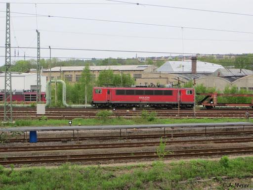 155 191-0 passiert mit ihrem Autoleerzug gerade das AW Chemnitz (10. Mai 2013)