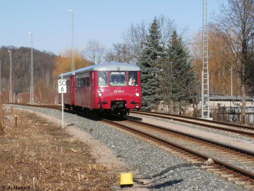 """Am 26. Februar 2010 fuhren die beiden """"Blutblasen"""" 172 171-1 und 172 760-1 von Chemnitz nach Annaberg-Buchholz. Hier fährt der Zug gerade in den Bf. Aue (Sachsen) ein"""