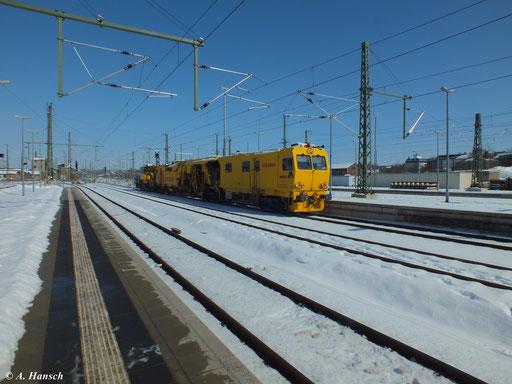 Ein Bauzug durchfährt am 16. März 2013 Chemnitz Hbf. in Richtung Zwickau