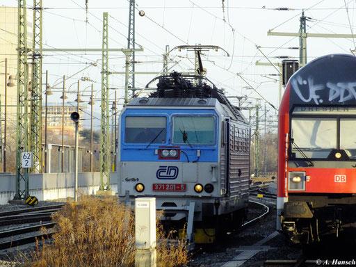 371 201-5 wird am 29. Dezember 2012 bis zum nächsten Einsatz in Dresden Hbf. abgestellt
