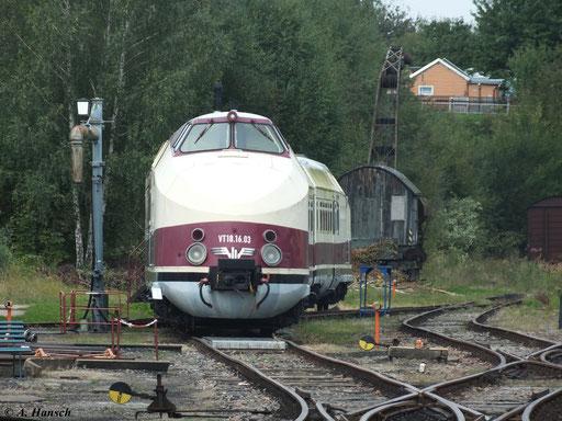 Im SEM Chemnitz steht einer der wenigen gut erhaltenen Exemplare des Verbrennungstriebwagens: VT 18.16.03 (15. September 2012)