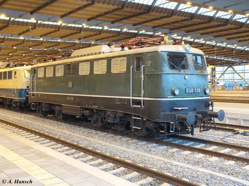 Die Lok wird gemeinsam mit der Schwestermaschine 140 423-5 in Chemnitz nächtigen und am Folgetag in Richtung Glauchau weiterfahren