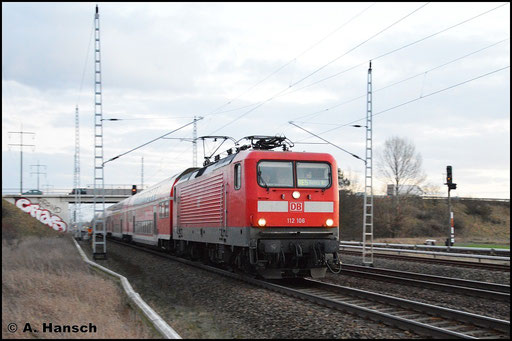 Am 3. Februar 2016 verlässt 112 106-0 mit RE5 nach Rostock Hbf. Berlin. In Französisch-Buchholz konnte ich den Zug festhalten