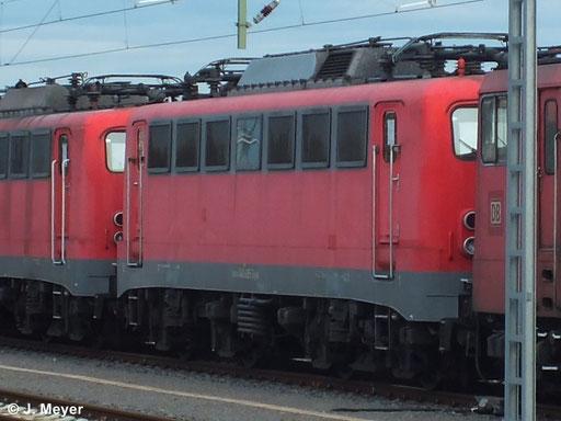 140 495-3 ist eine von vier Maschinen die am 9. Januar 2014 vom AW Chemnitz nach Seddin überführt wurden. Dort sollen sie Reaktiviert werden. Das Bild entstand in Chemnitz Hbf.