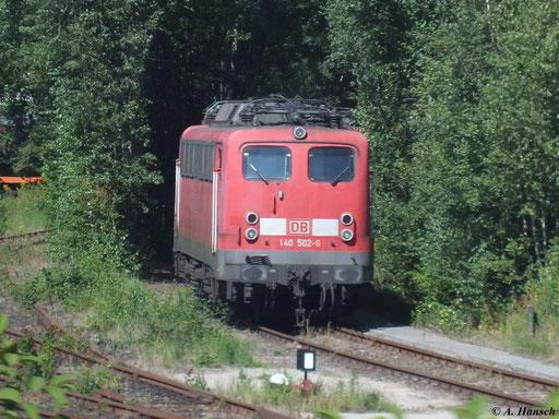 Eine der im AW Chemnitz zum DB-Stillstandsmanagement gehörenden Loks ist 140 502-6, hier fotografiert am 15. August 2012