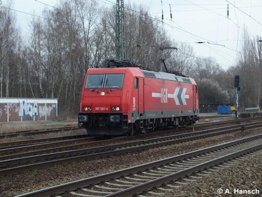185 582-4 (HGK 2051) rollt am 18. März 2014 Lz durch Leipzig Thekla