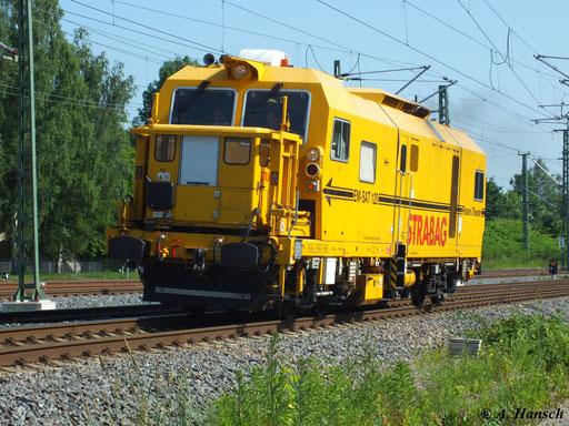 Gleisvormessfahrzeug EM-SAT 120 fährt am 19. Juni 2013 am AW Chemnitz vorbei in Richtung Riesa