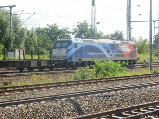 Am 5. August 2011 gelang dieser Nachschuss von 185 502-2 (185-CL 002) auf Höhe der Triftbrücke kurz vorm Hbf. in Luth. Wittenberg