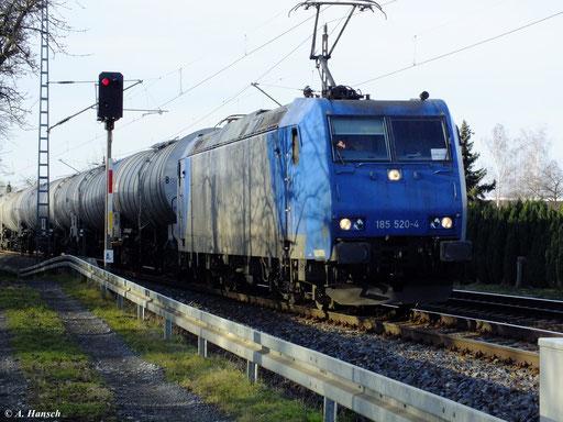 Am 29. Dezember 2012 fuhr 185 520-4 mit Kesselwagenzug durch Dresden Stetzsch