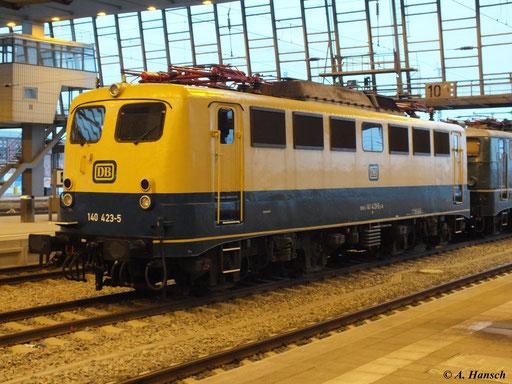 Die Lok trägt noch ihre originale Bundesbahn-Lackierung
