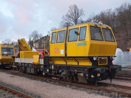 Am 14. Januar 2012 steht das Fahrbahn-Entstörungsfahrzeug VMT 970 im Bf. Aue