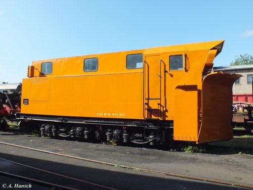 Im Werk Meiningen steht dieser in orange lackierte Schneepflug (D-LDC 80 50 79-72 201-9), hier fotografiert am 1. September 2012