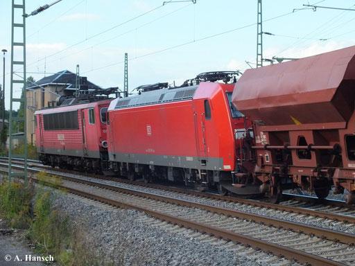 Am 19. September 2013 zieht 155 114-2 einen Güterzug Richtung Riesa (hier auf Höhe AW Chemnitz). Mit am Haken hat sie 185 198-9