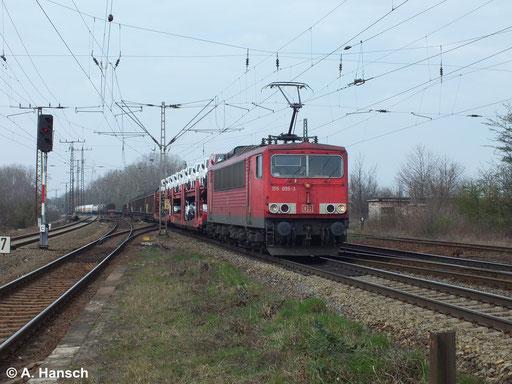 155 095-3 schleppt am 18. März 2014 einen gemischten Güterzug durch Leipzig Thekla