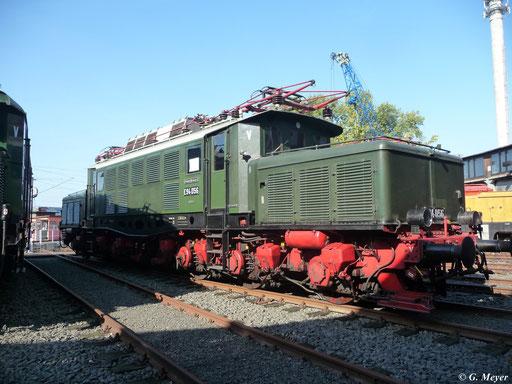 Am 24. September 2011 gesellte sich auch E94 056 in die Reihe der Elloks im Bw Luth. Wittenberg