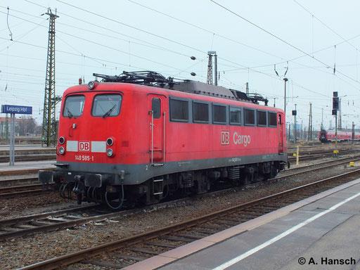 Am 18. März 2014 steht 140 585-1 abgestellt in Leipzig Hbf. und wartet auf neue Aufgaben