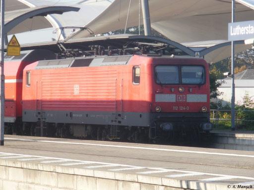 Am 23. Oktober 2011 stand 112 124-3 mit RE5 nach Rostock im Hbf. Luth. Wittenberg