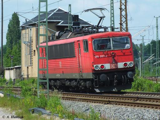 155 207-4 passiert hier am 6. Juni 2013 als Lz das AW Chemnitz in Richtung Riesa