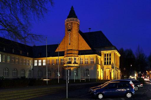 """Schwerte - Neues Rathaus """"Blaue Stunde"""""""