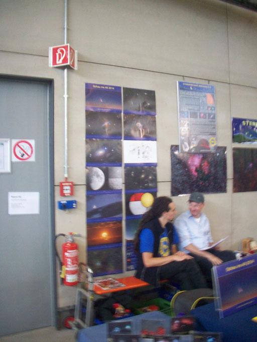 Mit neuem Kalender 2014 und einem Bild von Markus Paul (oben rechts) auf der AME 2013