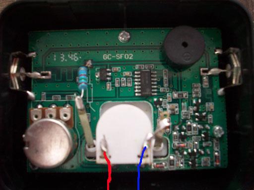 Satfinder Innen. Hier wird das Kabel angelötet.