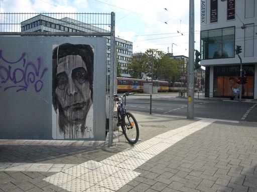 Krefeld - Theaterplatz (Ecke St. Anton-Straße/Ostwall)