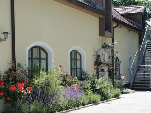 Außenansicht der Archiv-Räume im Nebengebäude der Mohr-Villa