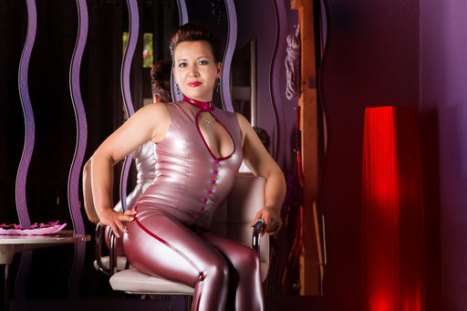 Lady Aschera Latexdomina in Berlin