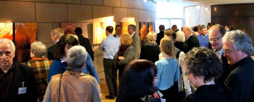Im Foyer ist jeder Künstler mit einem Werk vertreten ...