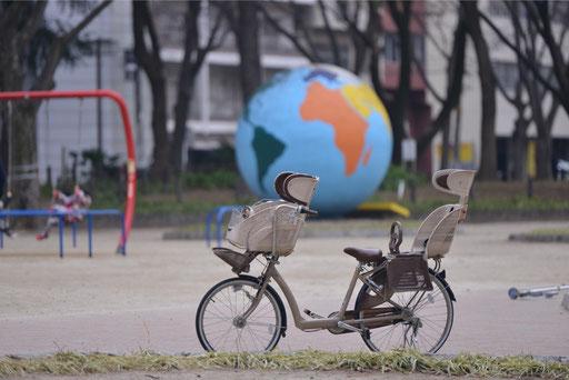 望遠でこのくらいに写る自転車を