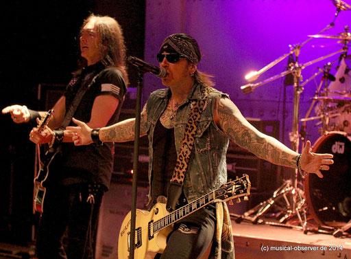 Sänger Ricky Warwick und Gitarrist Damon Johnson. Fotos: Niels Holger Schmidt