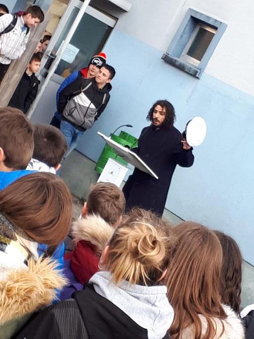 """Lancement du workshop """"The plastic Age"""" - Happening """"Captain Paraben"""""""
