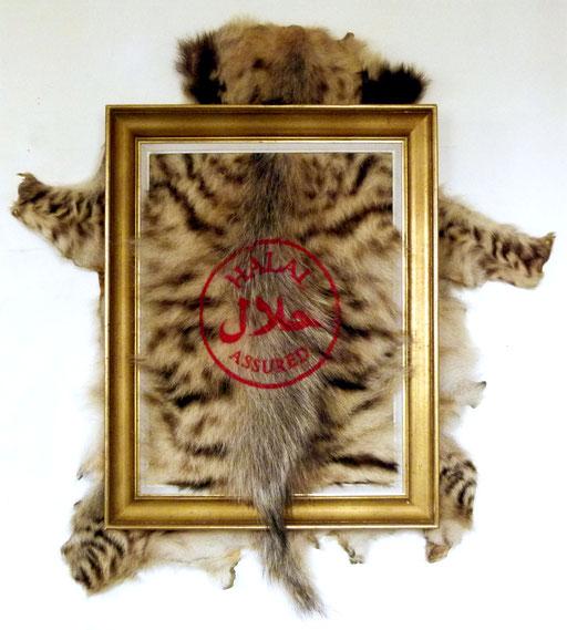 """"""" Solution 1 """", 120x105, Fourrure de hyène sérigraphiée, monté sur cadre, 2012."""