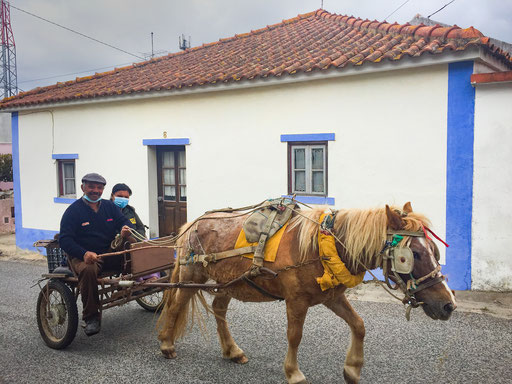 Couple returns home in Sbreiro village, during confinment against Kovid