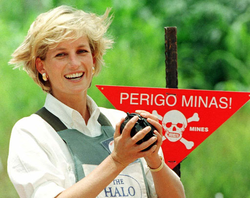 Princess Diana of Wales holds a land mine in the Angolan city of Huambo on August 1997.
