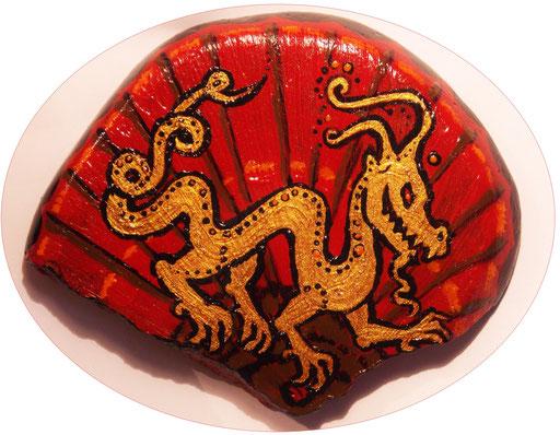 #paintedstone #dragon #bemaltesteine #drachen #steinkunst #stoneart #paintedrock #chinesischerfächer